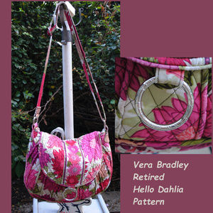 VERA BRADLEY Ret'd Hello Dahlia Saddle Up Crossbdy